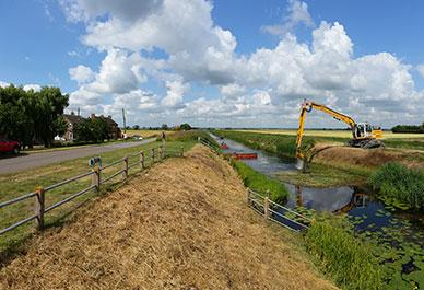 388x265-maintenance-work-by-welland-deepings-idb-ian-moodie
